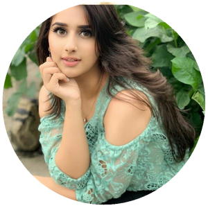 Top Pakistani Tiktok Influencers - Alishba Anjum